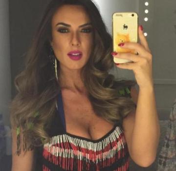 Nicole Bahls já confirmou que ficou com o craque brasileiro