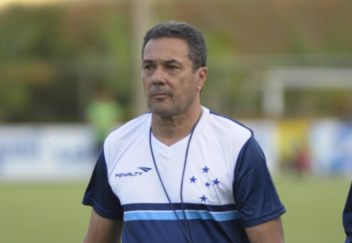 Vanderlei Luxemburgo, em treino do Cruzeiro na Toca da Raposa (Foto: Gualter Naves / Light Press / Cruzeiro)