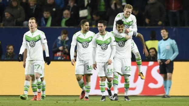 HOME - Wolfsburg x Gent - Liga dos Campeões - Luiz Gustavo (Foto: Odd Andersen/AFP)