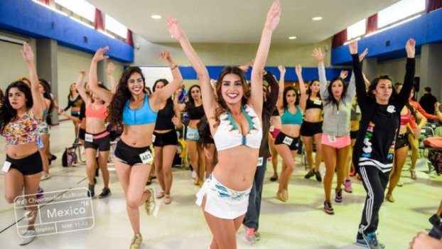 Time da NFL seleciona cheerleaders no México