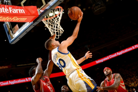 O Golden State Warriors venceu fácil o Houston Rockets por 104 a 78