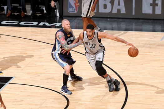 No Texas, o San Antonio Spurs massacrou o Memphis Grizzlies por 106 a 74
