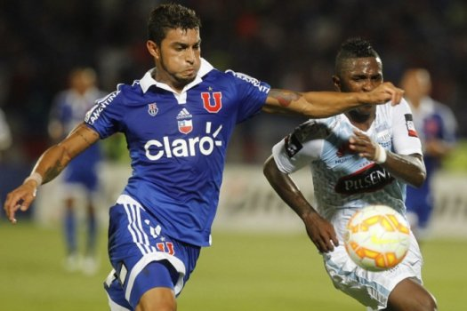 O lateral chileno Paulo Cezar chegou do Universidad de Chile para o Internacional