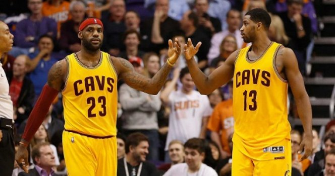 LeBron James e Tristan Thompson