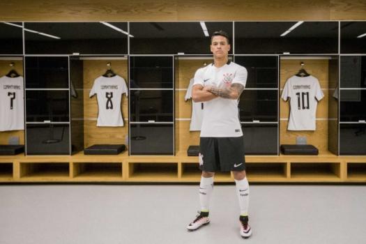 Campeão da Libertadores, Rueda vira número um em lista do Corinthians