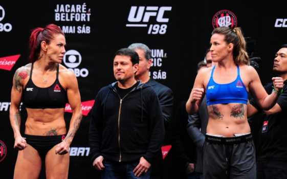 Cris Cyborg e Leslie Smith - UFC 198