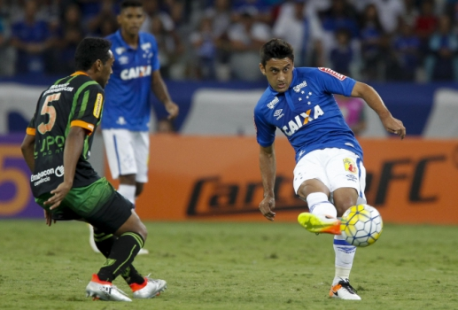 Robinho, meia-atacante do Cruzeiro (Foto: Washington Alves/Light Press/Cruzeiro)