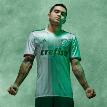 d78aceed76785 Dudu com a nova camisa branca do Palmeiras