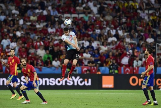Espanha domina a Turquia 5335537ed9570