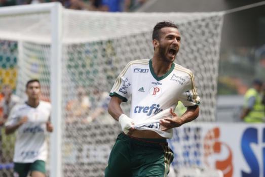 Palmeiras traz Leandro Pereira sem custos e ainda tem dinheiro a receber