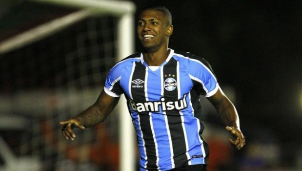 Walace, volante do Grêmio