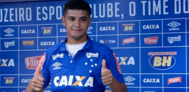 Denílson, volante do Cruzeiro (Foto: Washington Alves/Light Press/Cruzeiro)