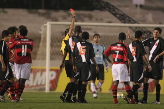 Vasco 0x1 Flamengo - Expulsão de Valdir Papel - 26/7/2006