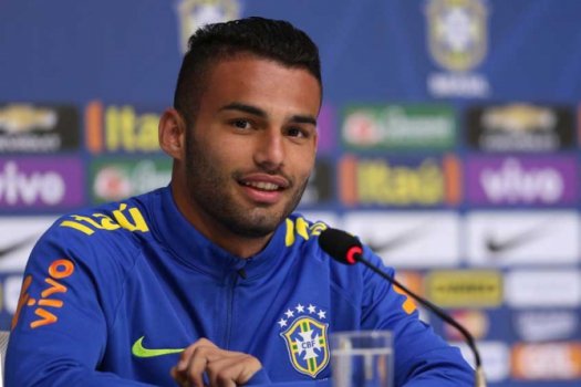 William e Thiago Maia em entrevista coletiva na Granja Comary.