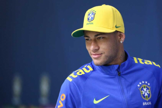 Neymar diz que seria uma honra jogar pelo Fla e manda beijo � Na��o