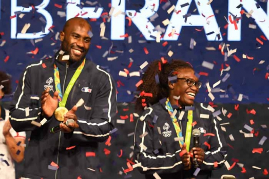 Festa francesa no lugar mais alto do pódio no judô: Teddy Riner e Emilie Andeol