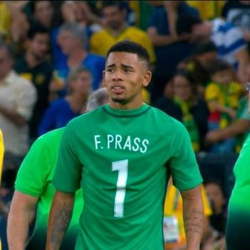 Goleiro Fernando Prass agradece homenagem de jogadores da Seleção ... 4971620e6fadc