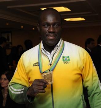 Juarez Santos (caratê, medalhista de ouro do Pan-2007)