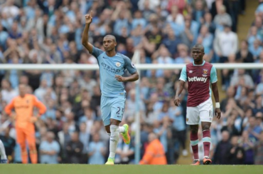 Fernandinho - Manchester City x West Ham