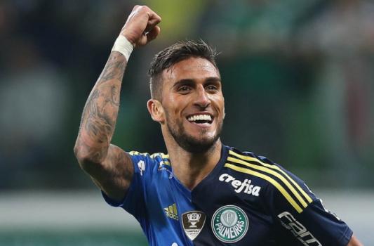Cruzeiro acerta com Rafael Marques e cede lateral Mayke ao Palmeiras