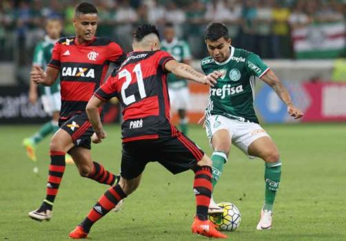 Cheios da grana e outrora favoritos, Fla e Palmeiras fazem jogo-chave