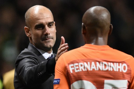 Pep Guardiola e Fernandinho - Celtic x Manchester City