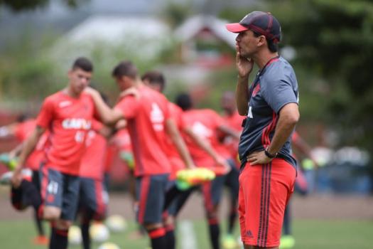 Zé Ricardo em treino do Flamengo (Gilvan de Souza / Flamengo)