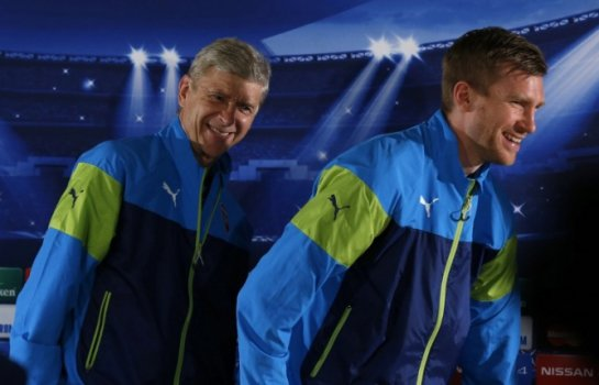Mertesacker e Wenger