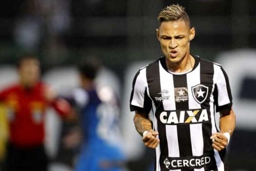 e79585800c7f9 Botafogo obtém certidão trabalhista e pode selar acordo com a Caixa ...