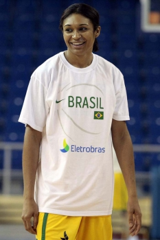 Iziane do Basquete