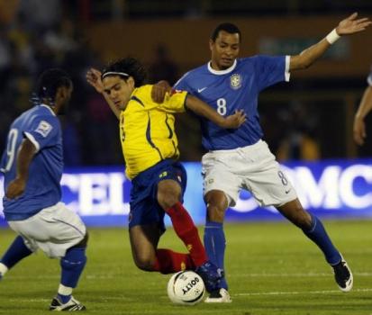 Gilberto Silva - Brasil x Colômbia - Eliminatórias da Copa-2010 200a738bb439f