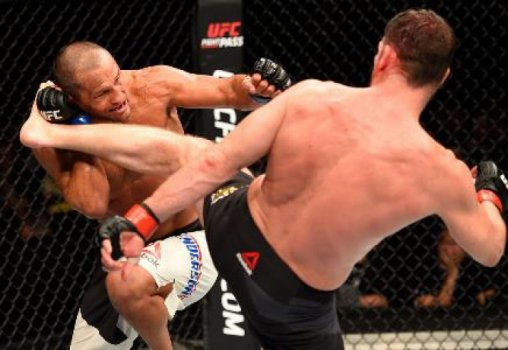Bisping conectou bons chutes em Henderson