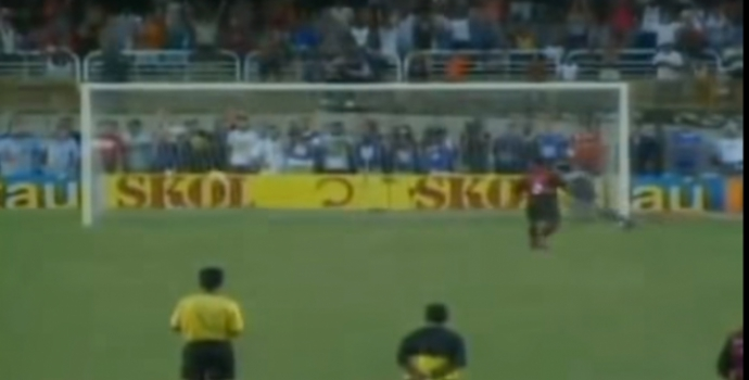 Pênalti sobrenatural de Cássio leva o Flamengo à final do tri de 2001 - 03/03/2001