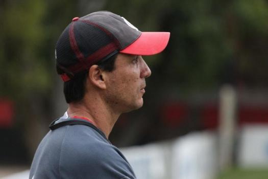 Zé Ricardo tem muito trabalho pela frente (Gilvan de Souza / Flamengo)