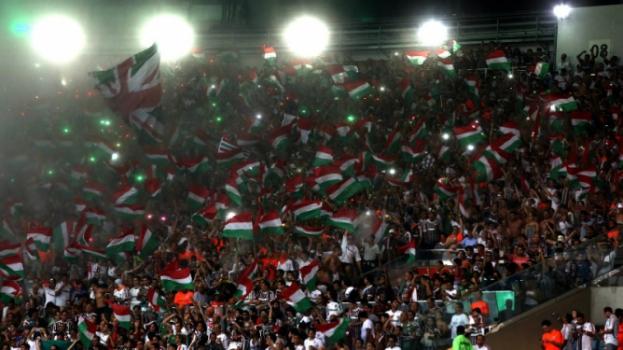9137a21455 Reencontro com a LDU  Torcida do Fluminense forma fila por ingressos ...