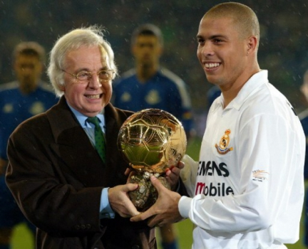 2002 - Ronaldo (Real Madrid)