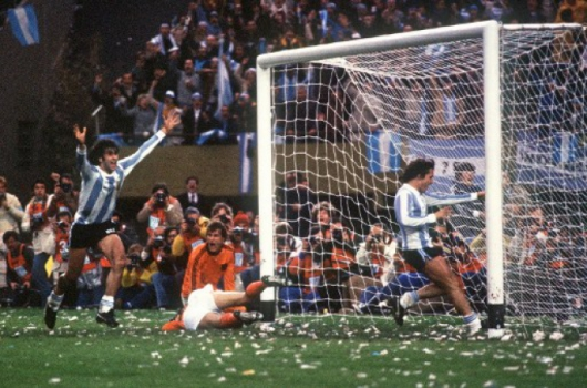 1978 (alternativo) - Mario Kempes (Valencia)