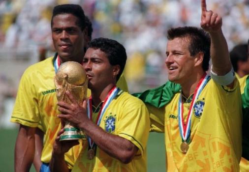 Os caras das Copas: Romário, o baixinho que foi gigante em 1994 ...