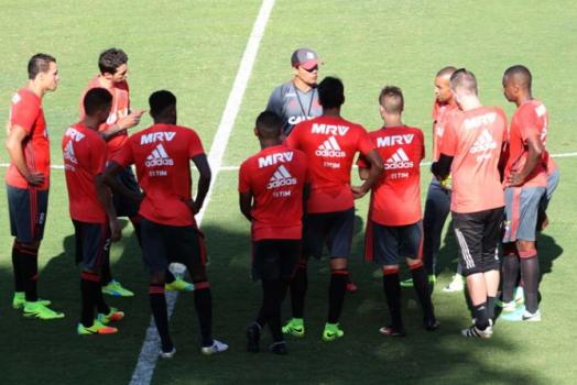 Treino Flamengo - Zé Ricardo com jogadores