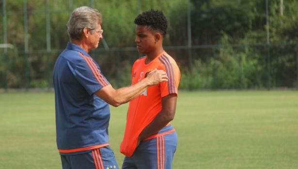 3d916250a6 Corinthians estuda oferecer Marlone ao Sport em troca do volante ...