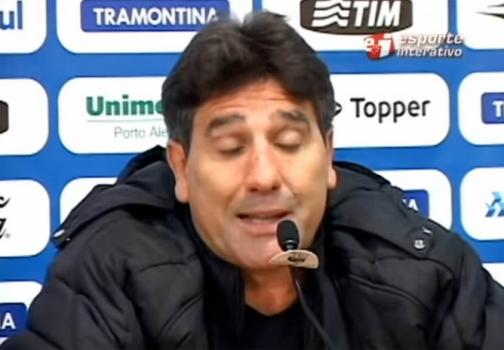 Renato Gaúcho discutindo com repórter