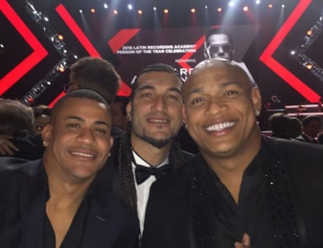 Ex-goleiro do Barcelona na festa do Grammy Latino