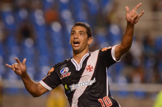 Diego Souza - Com a camisa do Vasco