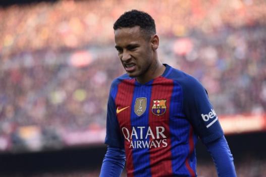eed1533ba0 Neymar ganha camisa de jogador da NFL