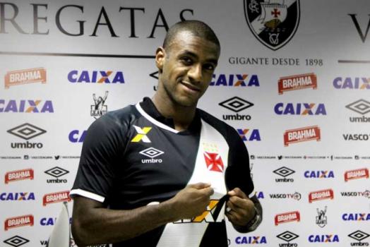 7bd9c2a186 Vasco acerta com o lateral-direito Gilberto