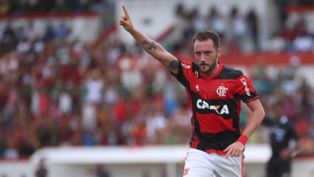 Sa�da? Nem sequer relacionado, Mancuello perde espa�o no Flamengo