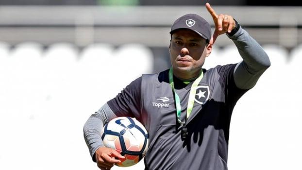 da1c7feaec Tradição continua no caminho do Botafogo na Libertadores