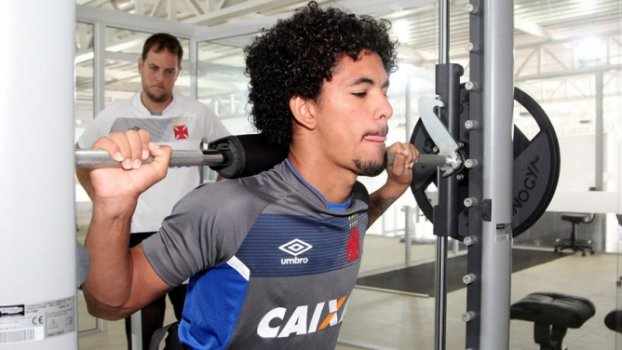 Douglas, volante do Vasco