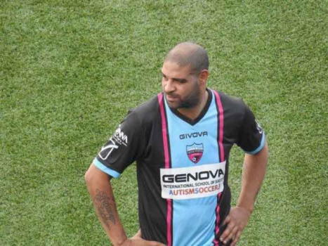 Adriano Imperador - com a camisa do Miami United