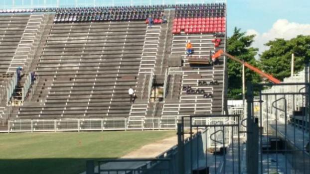 Caldeirão em vermelho e preto: Nova casa do Flamengo começa a ganhar cadeiras com as cores do clube